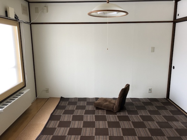 ミニマリストのリビング和室