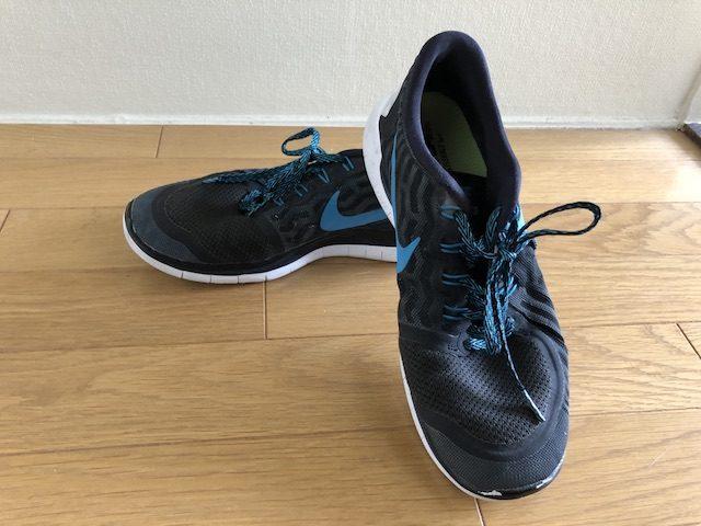 ミニマリスト男性の靴4