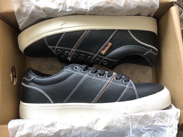 ミニマリストの黒靴1