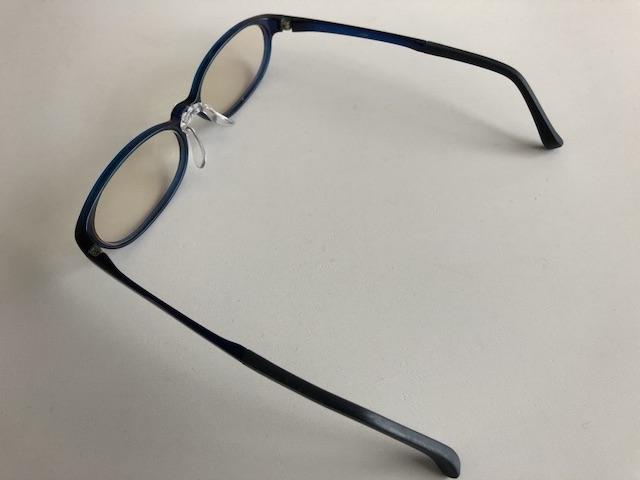 ミニマリスト男性の愛用メガネ9