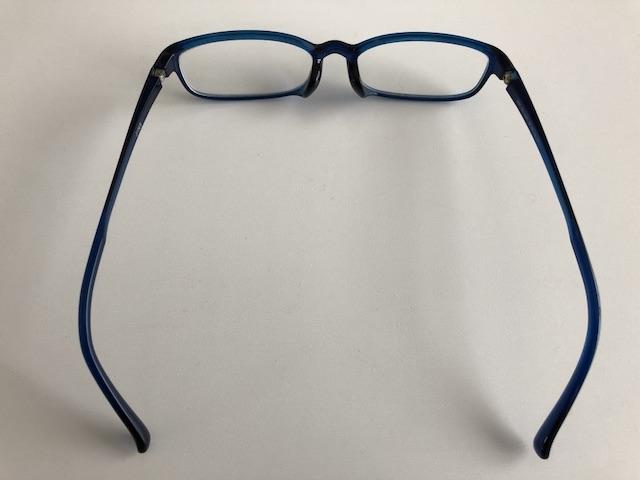ミニマリスト男性の愛用メガネ4