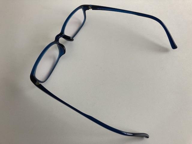 ミニマリスト男性の愛用メガネ8